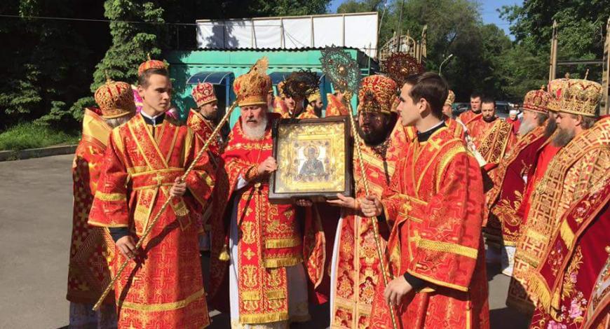 В соборе Николая Чудотворца, Алма-Аты, Казахстан.