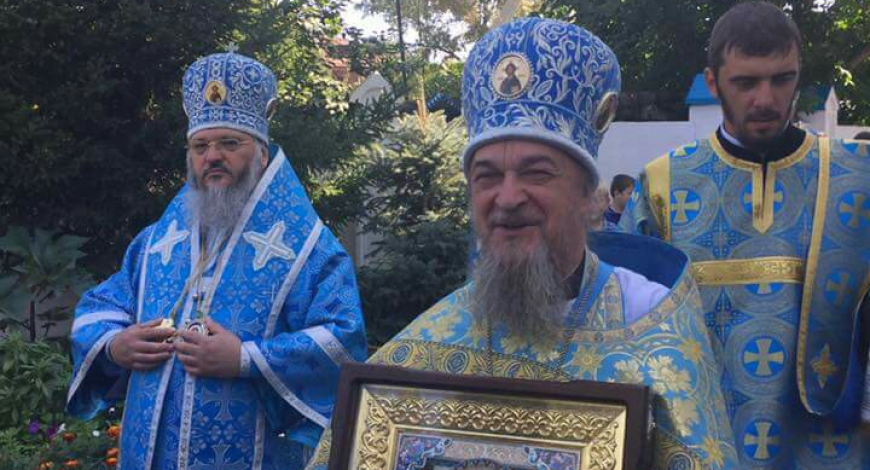 Крестный Ход вокруг Успенского Собора г. Бийска.