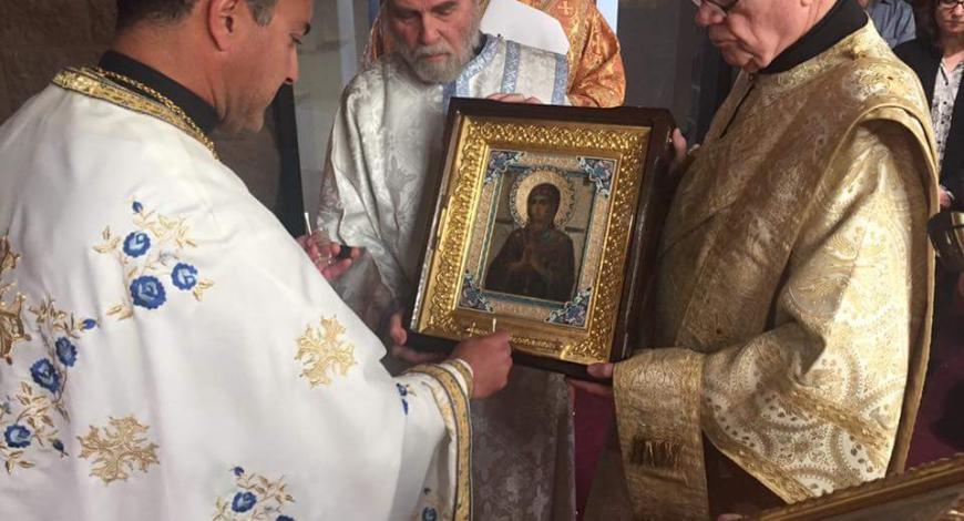 Закончилась Литургия в Антиохийской православной церкви в честь вмч. Георгия Победоносца.