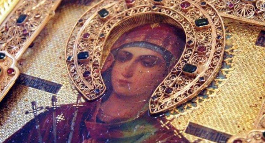 Мироточивая икона Божией Матери «Умягчение злых сердец» («Семистрельная») в нашем Свято-Троицком Храме города Милуоки.
