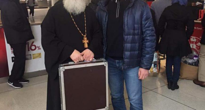 Великим Постом с чудотворным образом в США. с братиеСвято-Троицкого монастыря в Джорданвилле.