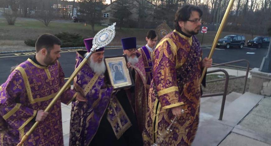 Литургия. Епископ Николай, гость Восточно-Американской епархии возглавил богослужение.