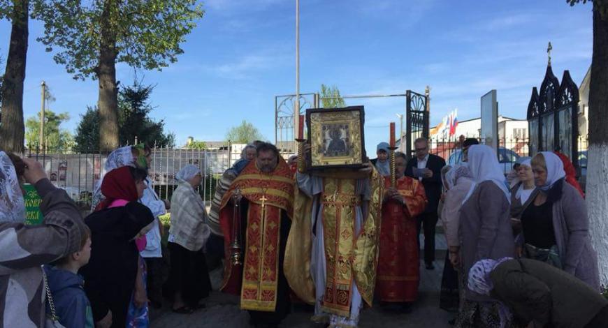 Истринский р-н Московской обл., с. Глебово. Церковь Казанской иконы Божией Матери.