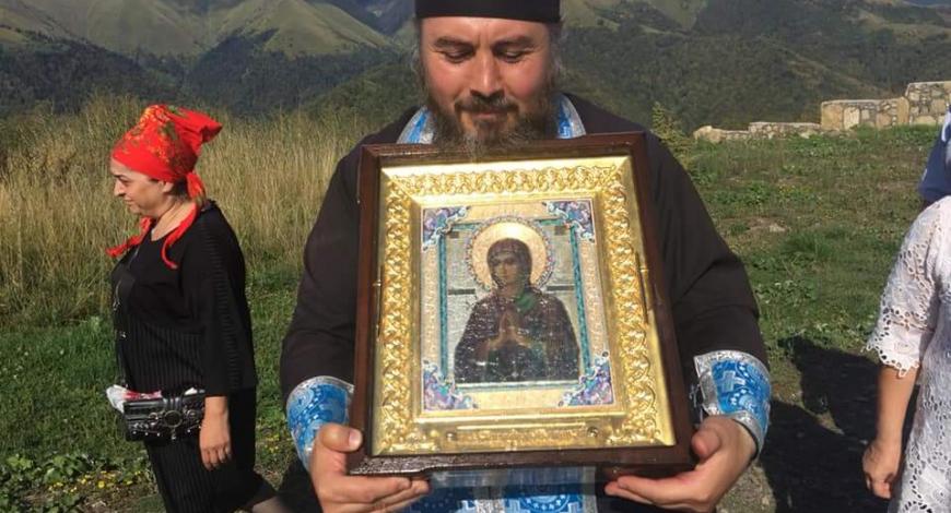 Южная Осетия. Высоко в горах монастырь Св.вмч. Георгия Победоносца. Сейчас здесь монахов нет.