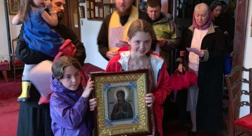 Новое Дивеево, Лазарева суббота. Литургия прошла на «одном дыхании» Посетили старческий дом. Достаточно много было прихожан. Даже был замечен один католический монах.