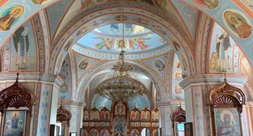 В конце 1992 года храм иконы Знамения был возвращен православной церкви…