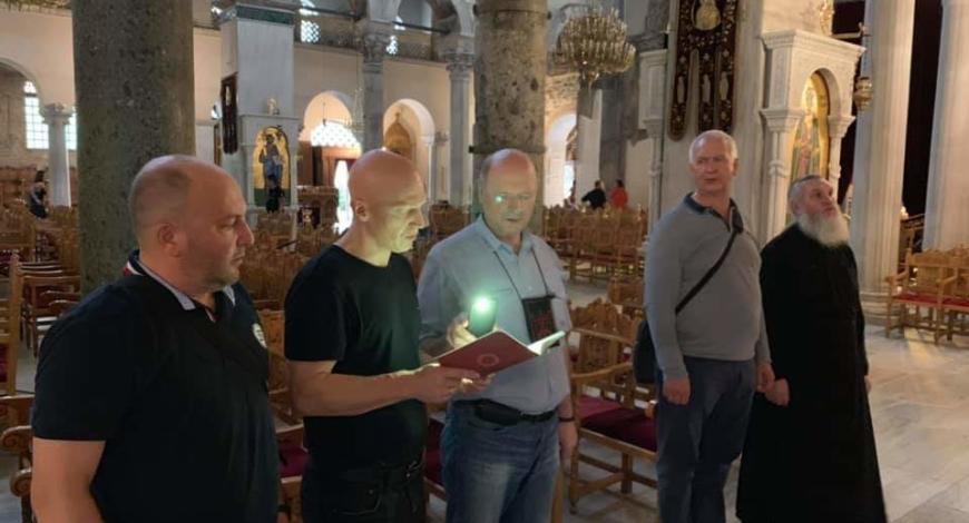 Салоники. Молебен у мощей Димитрия  Солунского. В храме находятся Мощи Св. Анисии.