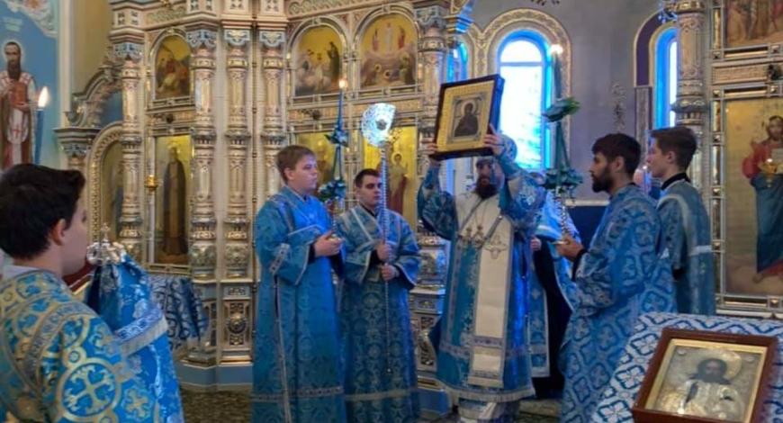 Челябинск встречает мироточивый образ Божией Матери Умягчение злых сердец.